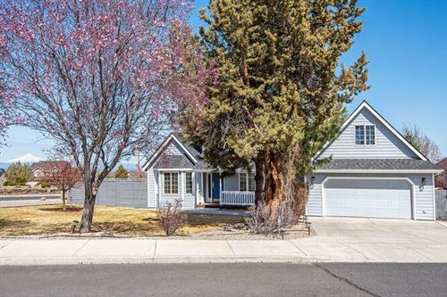 Photo of 3885 SW Timber Avenue, Redmond, OR 97756 (MLS # 220119916)