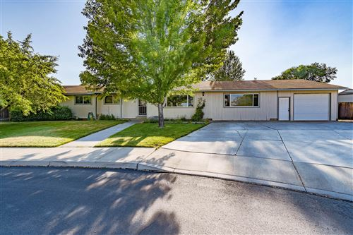Photo of 1445 NW 19th Court, Redmond, OR 97756 (MLS # 220125921)