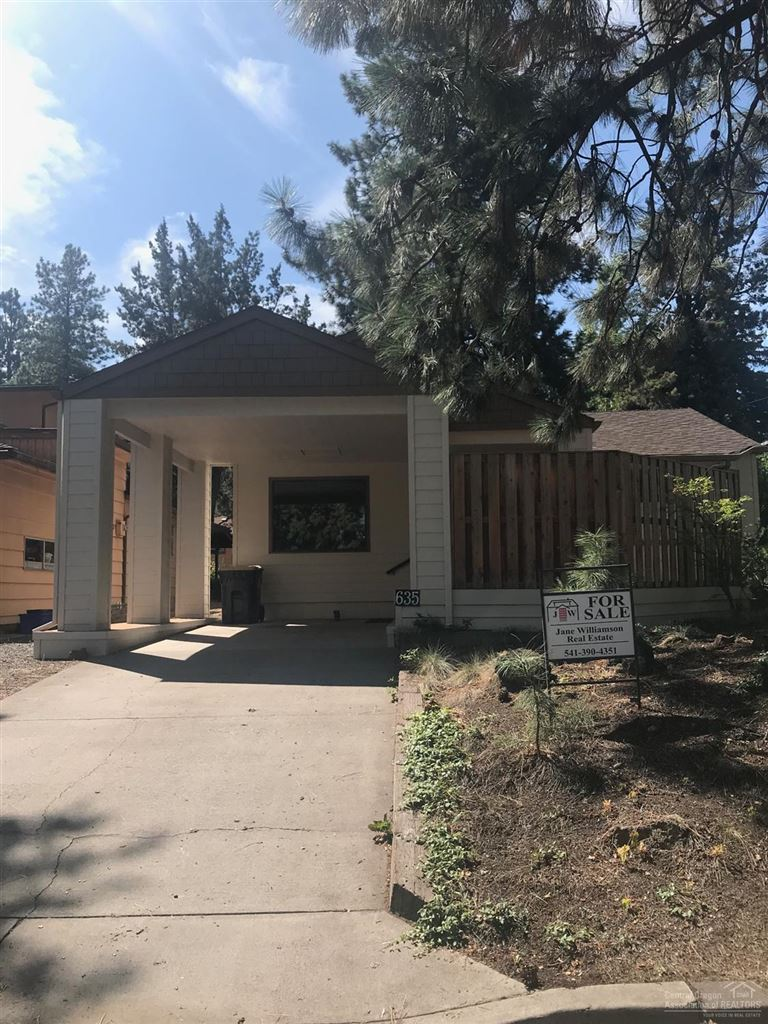 Photo for 635 NE Irving Avenue, Bend, OR 97701 (MLS # 201907924)