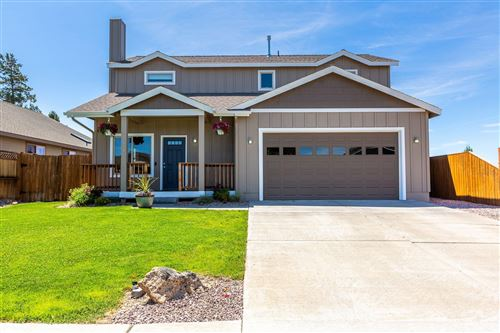 Photo of 2144 NW Larchleaf Lane, Redmond, OR 97756 (MLS # 220103926)