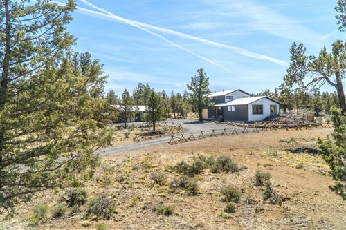 Photo of 17445 Forked Horn Drive, Sisters, OR 97759 (MLS # 220121931)