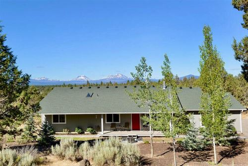 Photo of 69544 Sisters View Drive, Sisters, OR 97759 (MLS # 220125934)