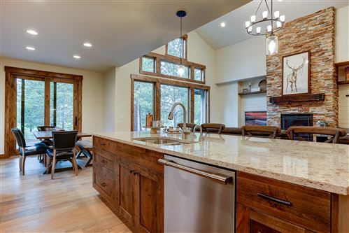 Tiny photo for 56397 Trailmere Circle, Bend, OR 97707 (MLS # 201807944)