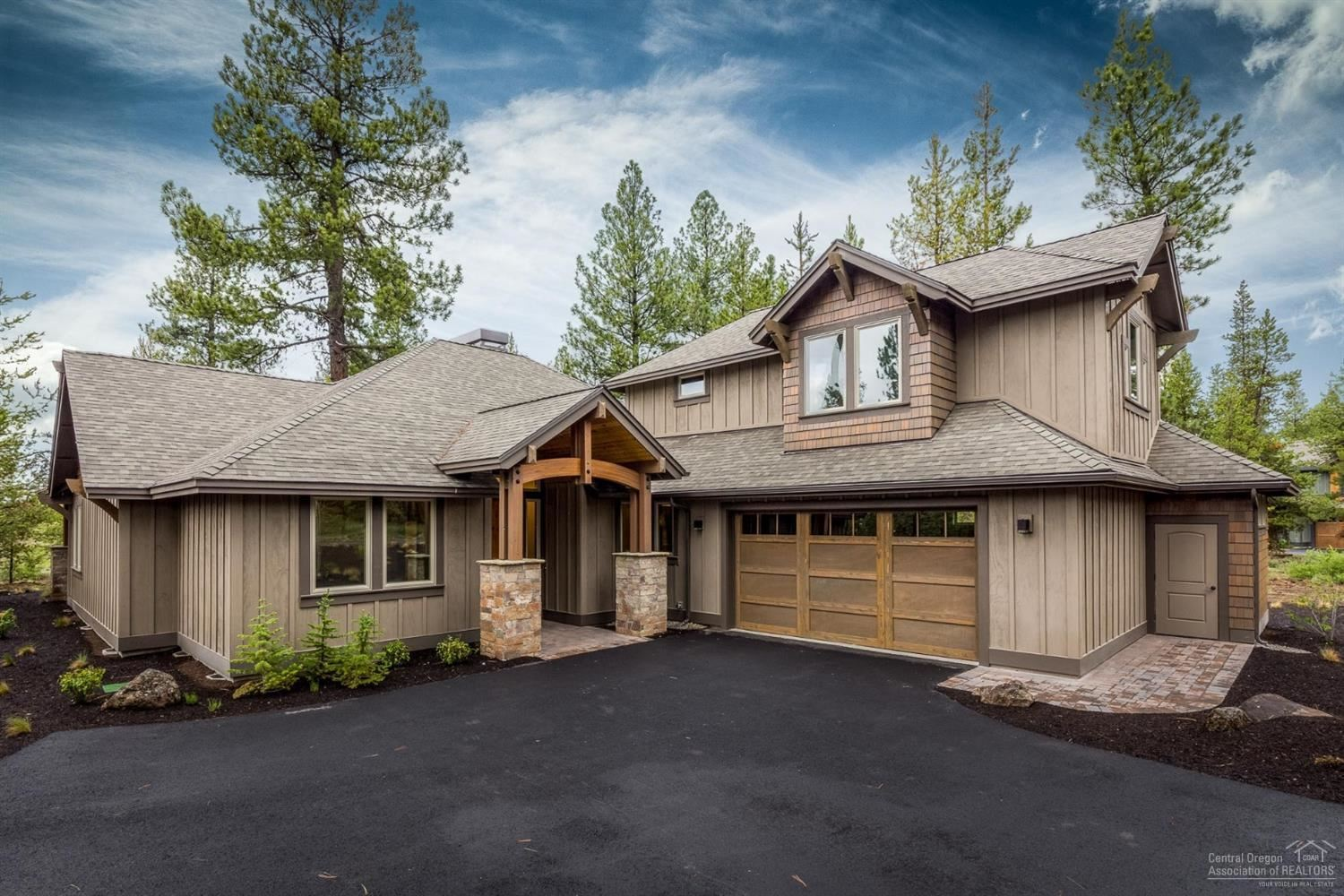 Photo for 56397 Trailmere Circle, Bend, OR 97707 (MLS # 201807944)