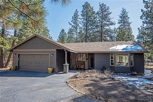 Photo of 69230 Tapidero, Sisters, OR 97759 (MLS # 202002947)