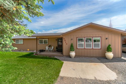 Photo of 2312 NW 12th Street, Redmond, OR 97756 (MLS # 220101955)