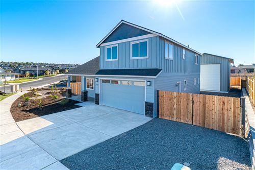 Photo of 4722 SW Zenith Avenue, Redmond, OR 97756 (MLS # 220106961)