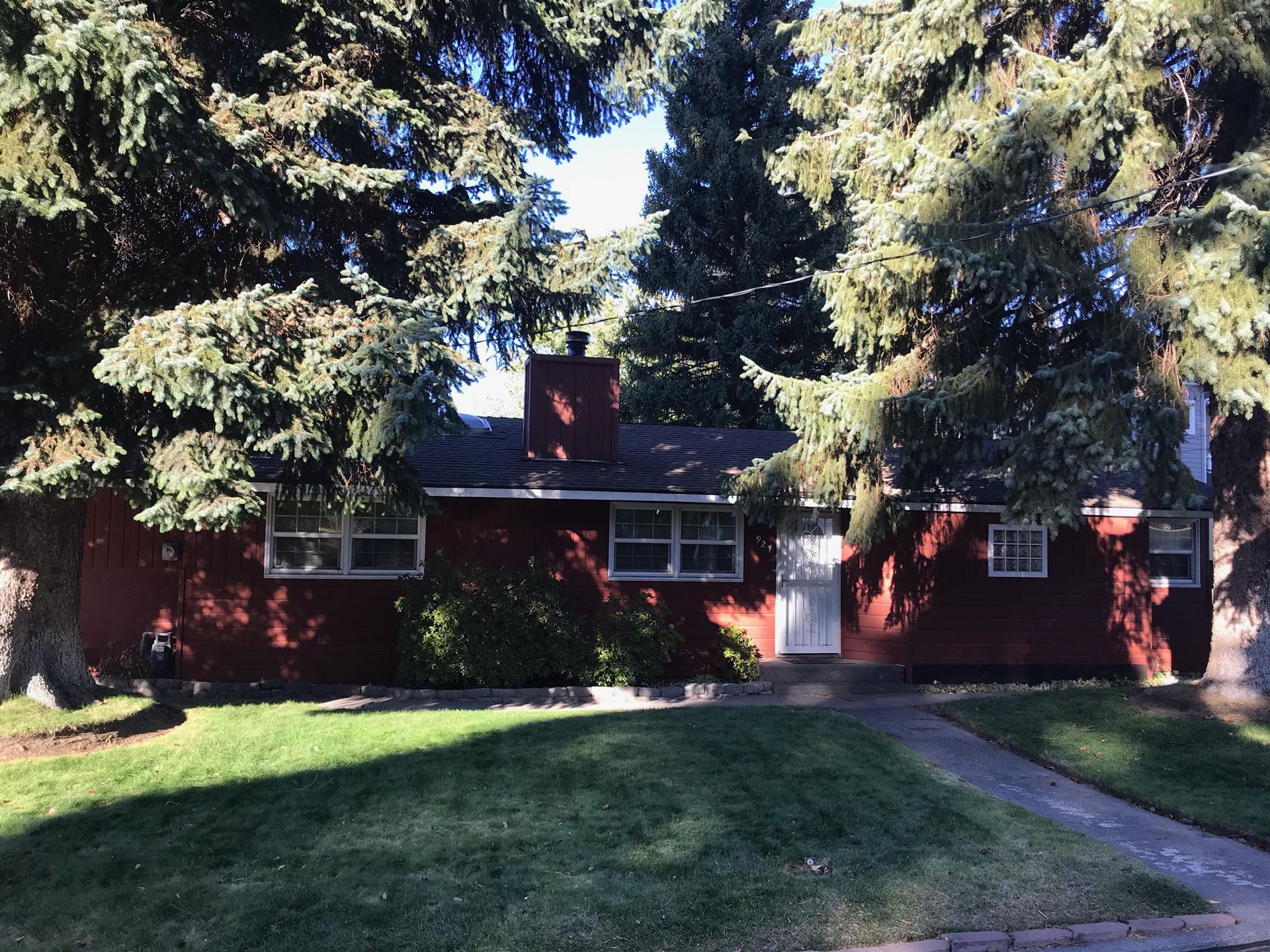 Photo for 927 NE 12th Street, Bend, OR 97701 (MLS # 220110962)