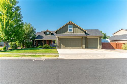 Photo of 2943 NW 19th Street, Redmond, OR 97756 (MLS # 220131966)