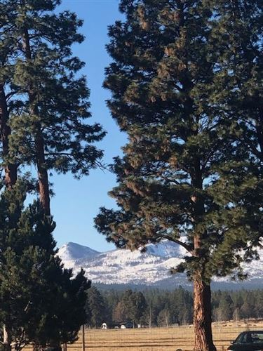 Photo of 702 W View Loop, Sisters, OR 97759 (MLS # 220112967)
