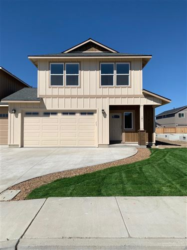 Photo of 241 NW 29th Street, Redmond, OR 97756 (MLS # 220101968)