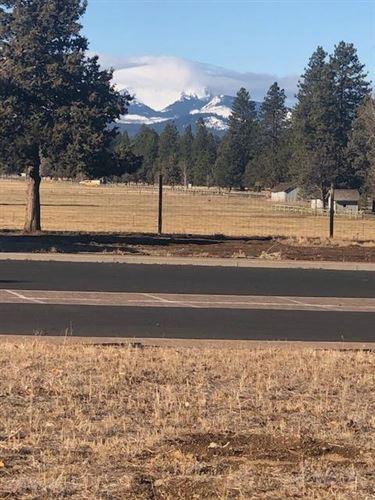 Photo of 708 W View Loop, Sisters, OR 97759 (MLS # 220112969)