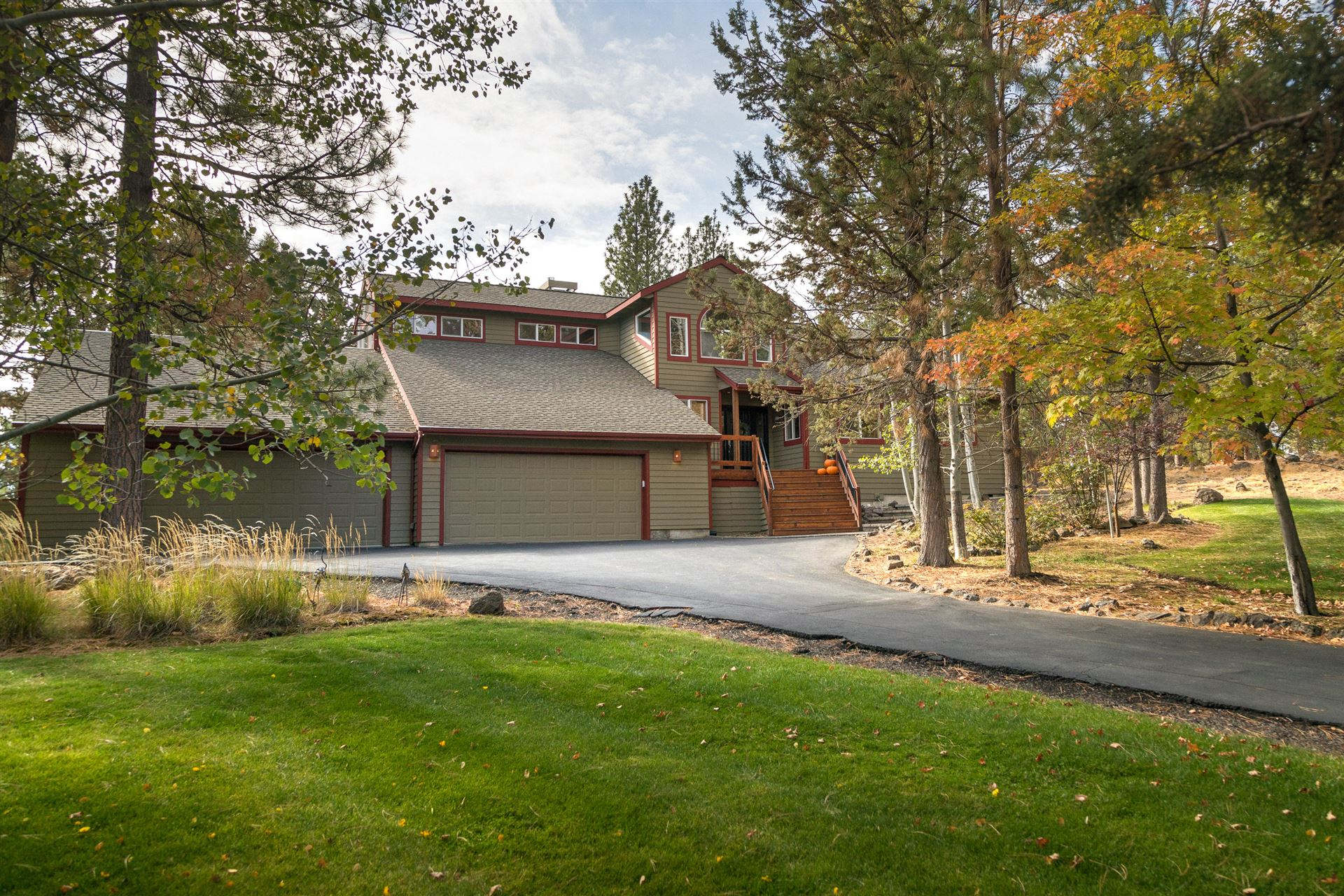 Photo for 1025 NW Milton Court, Bend, OR 97703 (MLS # 220110969)