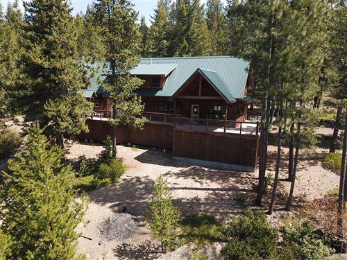 Photo of 18619 Diamond Peak Drive, Crescent Lake, OR 97733 (MLS # 220101979)