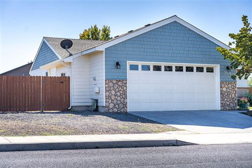 Photo of 754 NW Negus Place, Redmond, OR 97756 (MLS # 220131982)