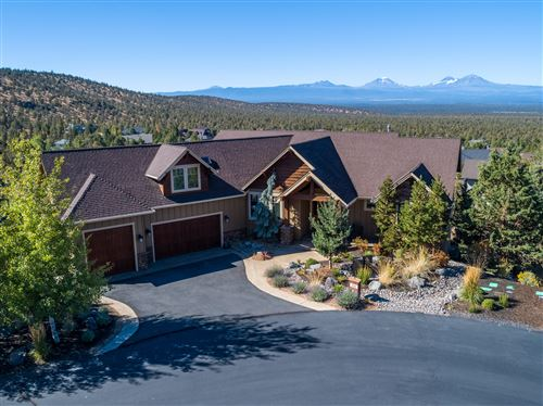 Photo of 1221 Sweeping View Court, Redmond, OR 97756 (MLS # 220109986)