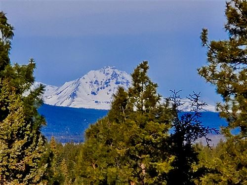 Photo of 2827 NW Horizon Drive, Bend, OR 97703 (MLS # 220118989)
