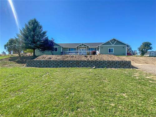 Photo of 220 NW Peppermint Lane, Prineville, OR 97754 (MLS # 220131994)