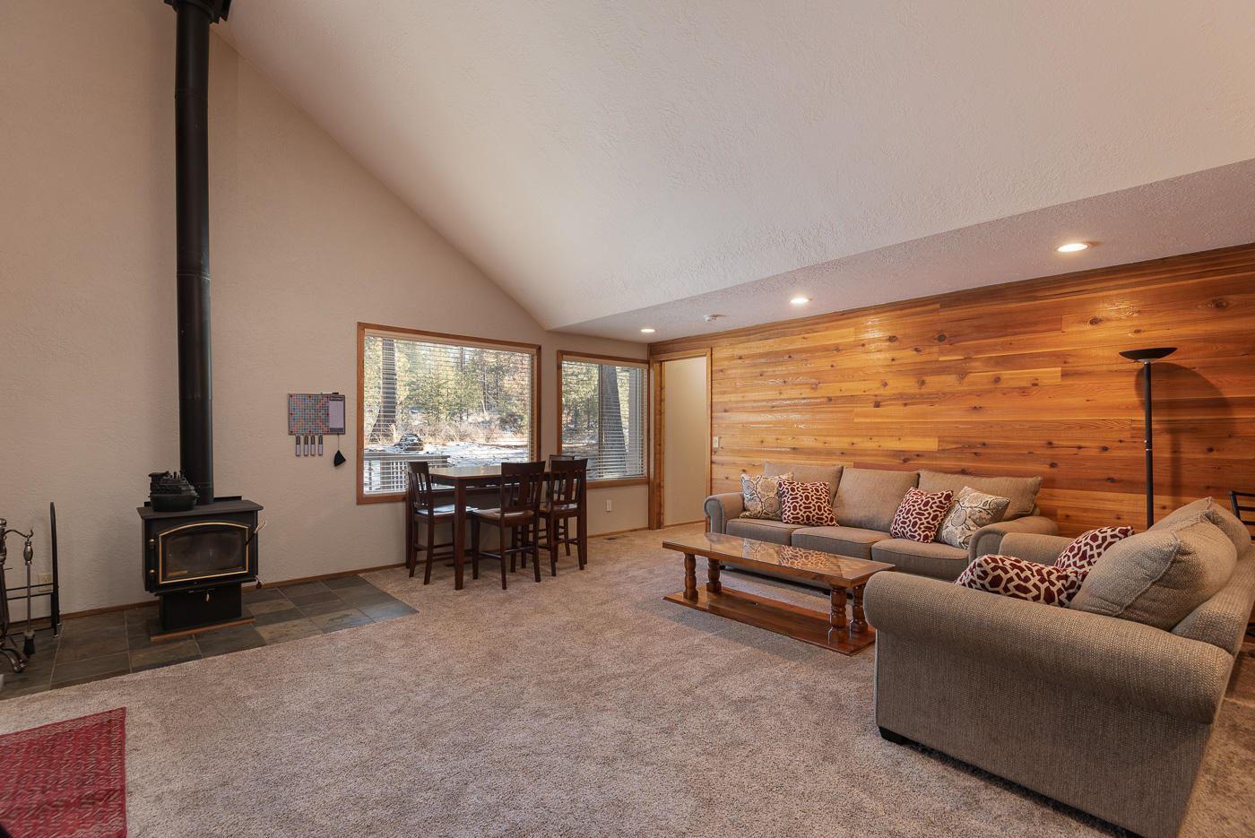 Photo of 57338 Sequoia Lane, Sunriver, OR 97707 (MLS # 220114994)