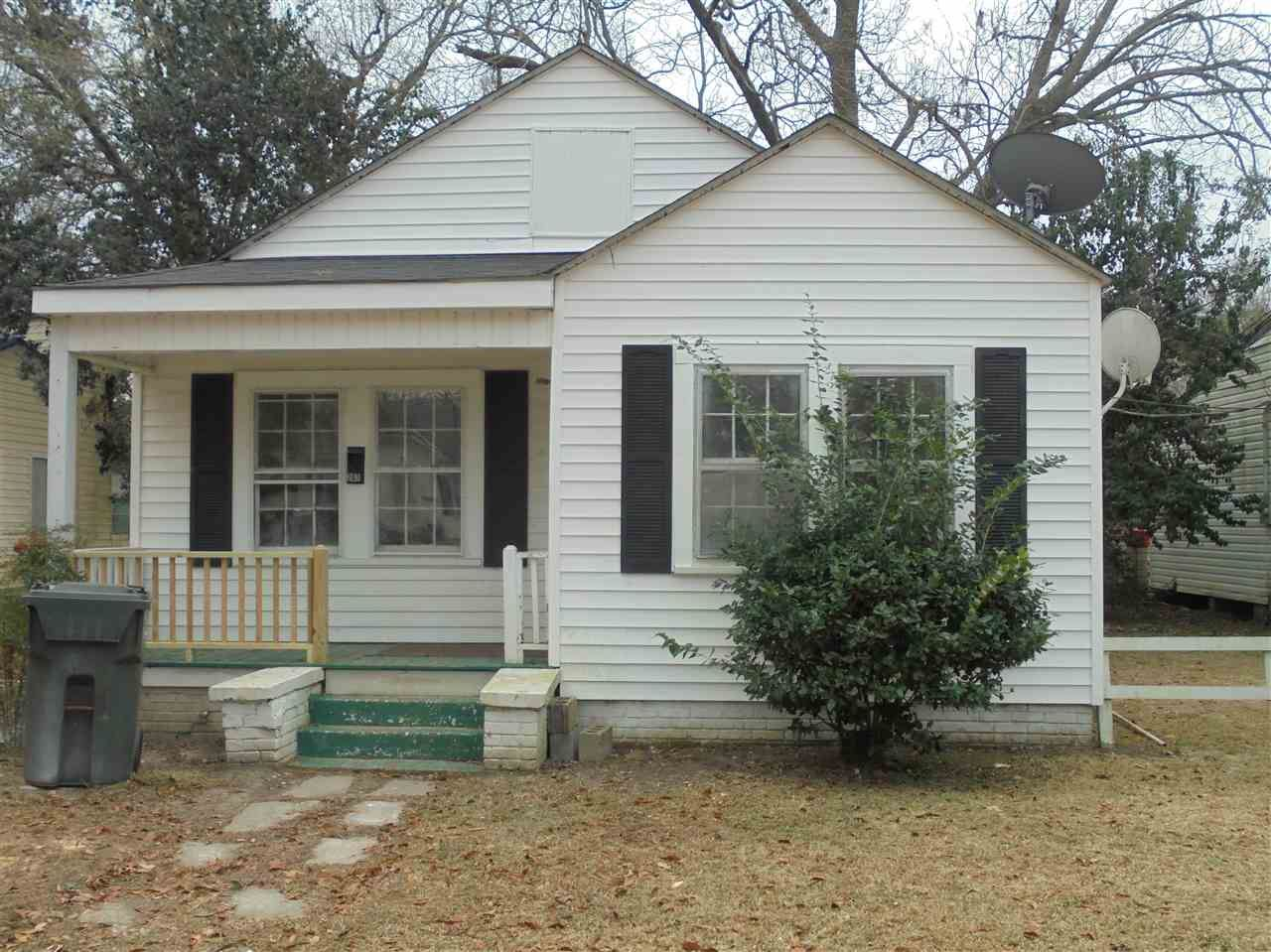 207 W Proctor St., Mullins, SC, 29574,  Home For Sale