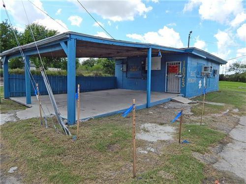 Photo of 1023 JOSEPHINE St, Corpus Christi, TX 78401 (MLS # 335474)