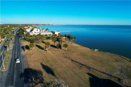 Photo of 4240 Ocean Dr, Corpus Christi, TX 78411 (MLS # 352638)