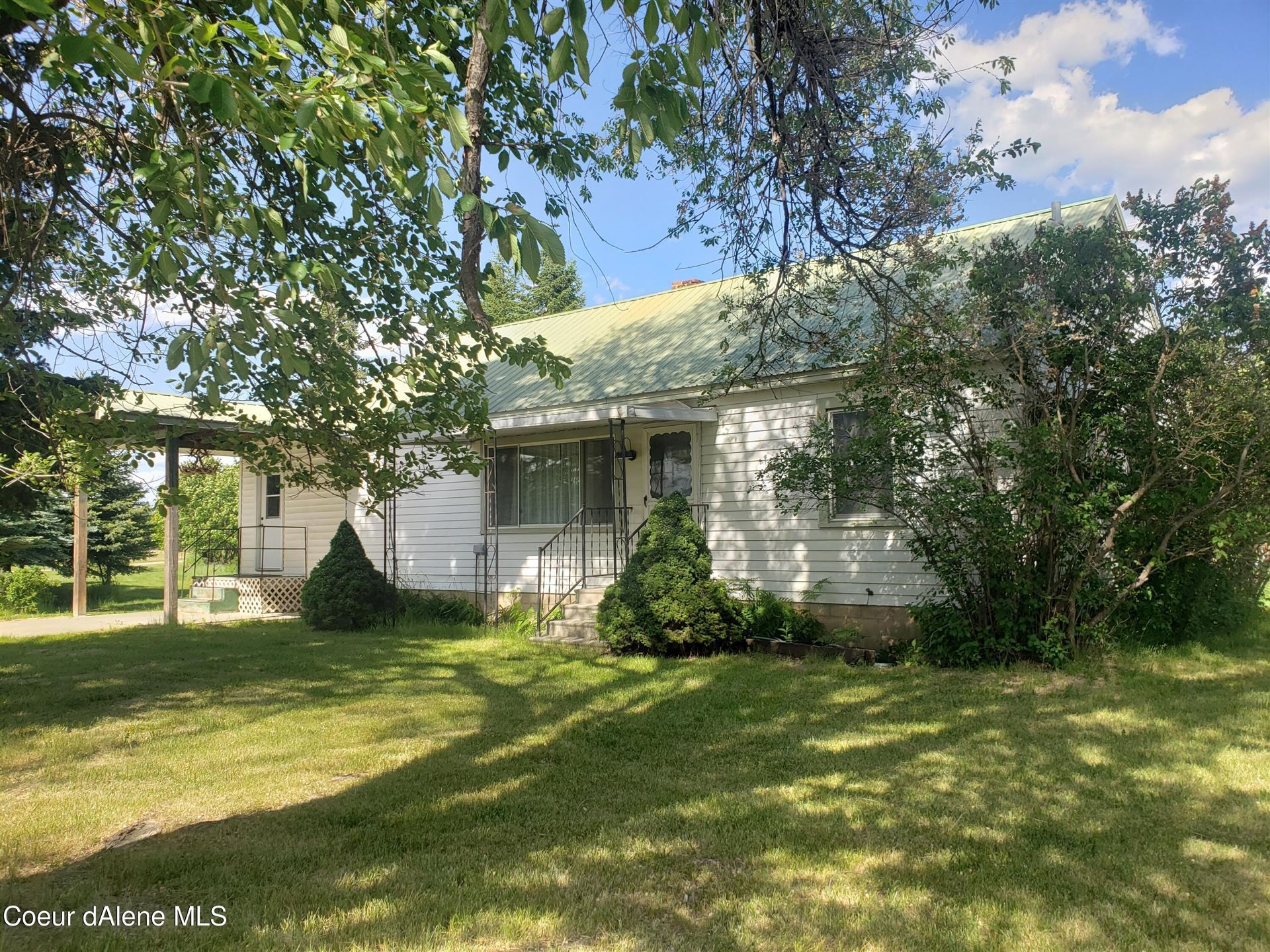 Photo of 301 Bridle Path Rd, Naples, ID 83847 (MLS # 21-4005)