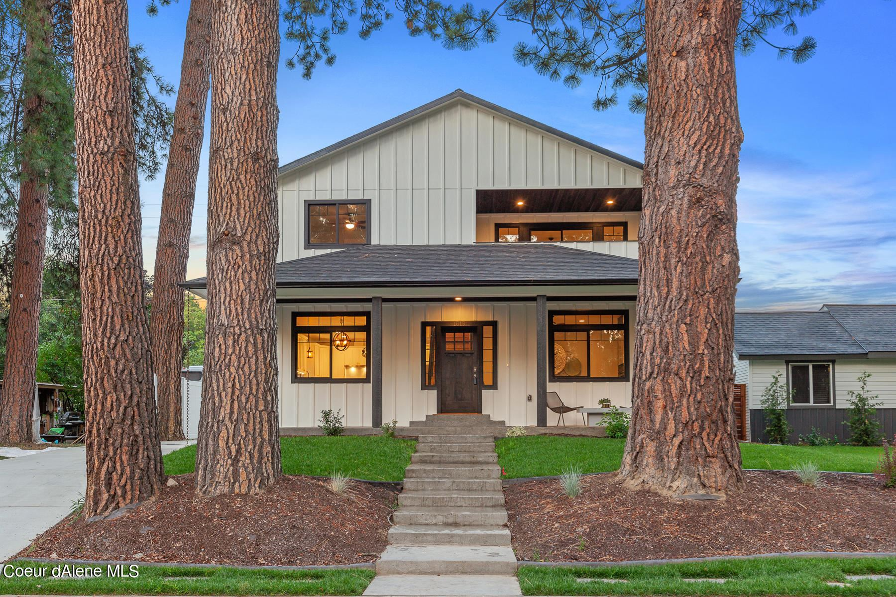 Photo of 1018 N GOVERNMENT WAY, Coeur dAlene, ID 83814 (MLS # 21-5056)