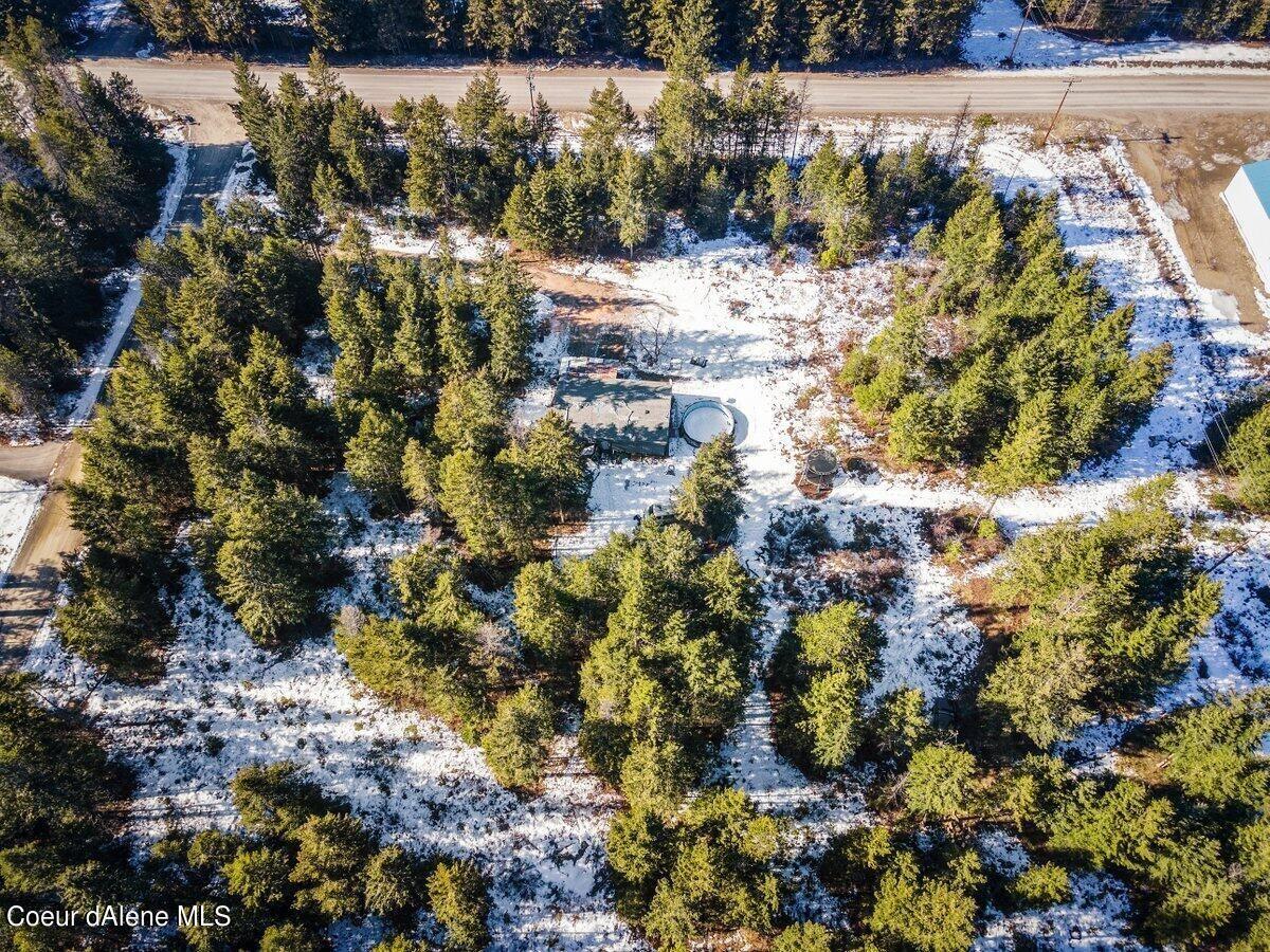 Photo of 589 Pine View Ln, Spirit Lake, ID 83869 (MLS # 21-1218)