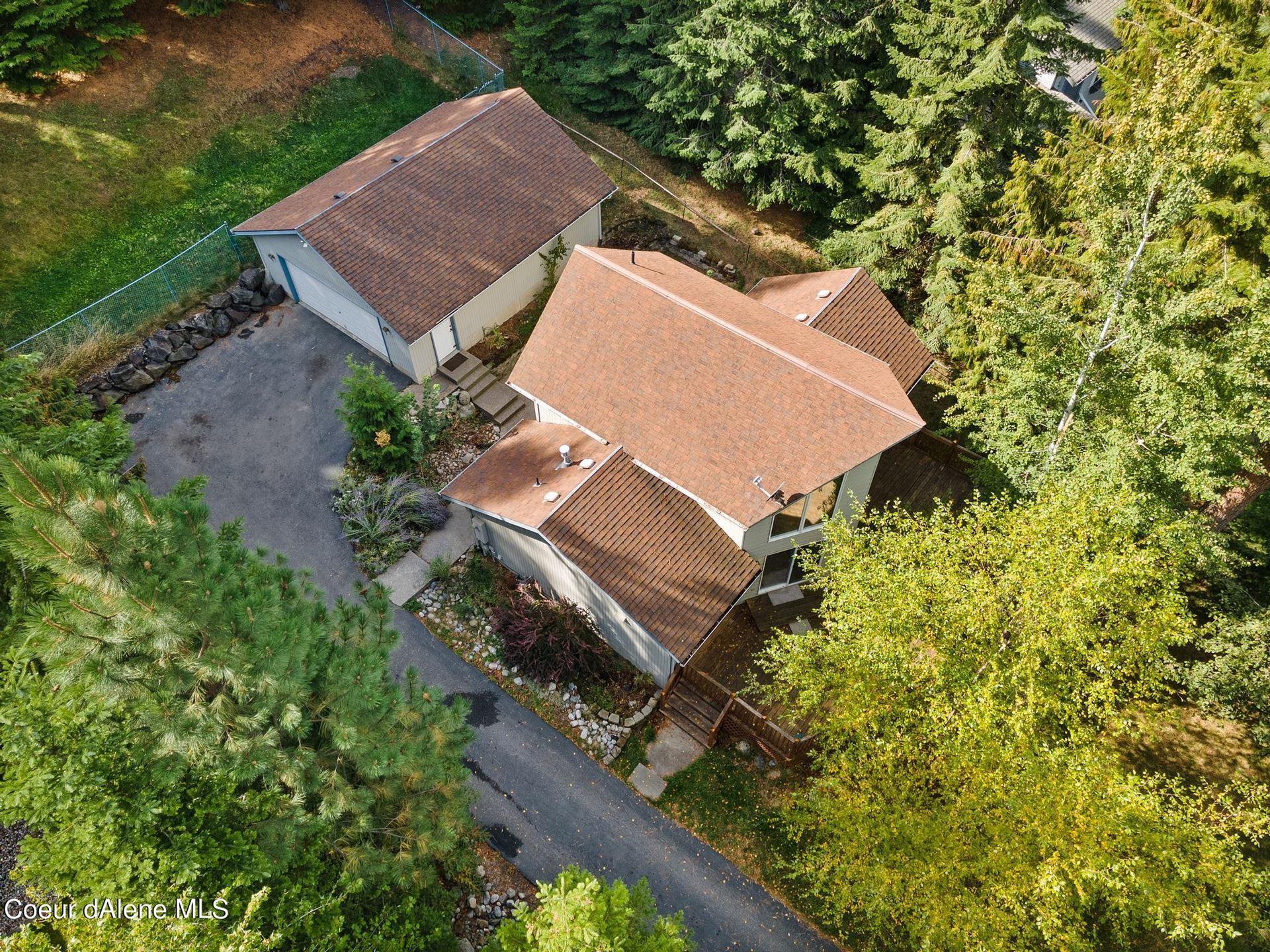 Photo of 4834 E UPPER HAYDEN LAKE RD, Hayden, ID 83835 (MLS # 21-10271)