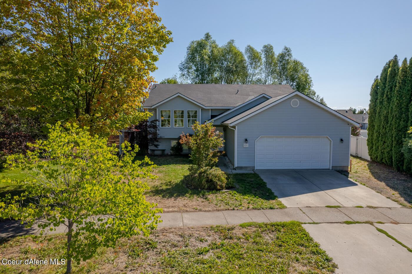 Photo of 8390 N CHATEAUX DR, Hayden, ID 83835 (MLS # 21-9350)