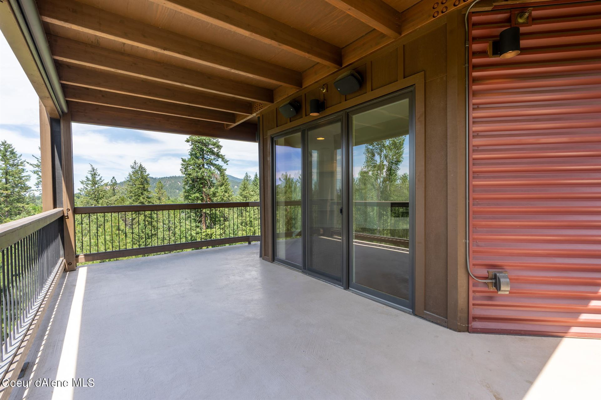 Photo of 1700 E Tower Pointe Rd #305, Coeur dAlene, ID 83814 (MLS # 21-6582)