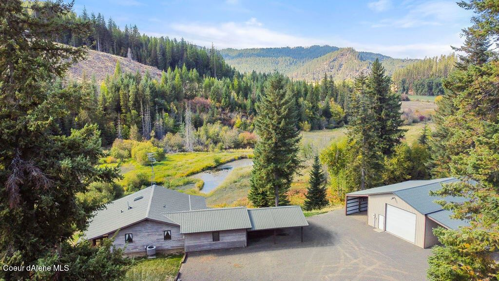 Photo of 738 Meadow View Rd, St. Maries, ID 83861 (MLS # 21-10617)