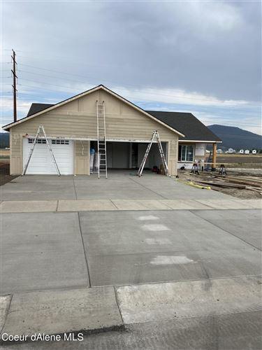Photo of 8337 W Splitrail Ave, Rathdrum, ID 83858 (MLS # 21-7629)