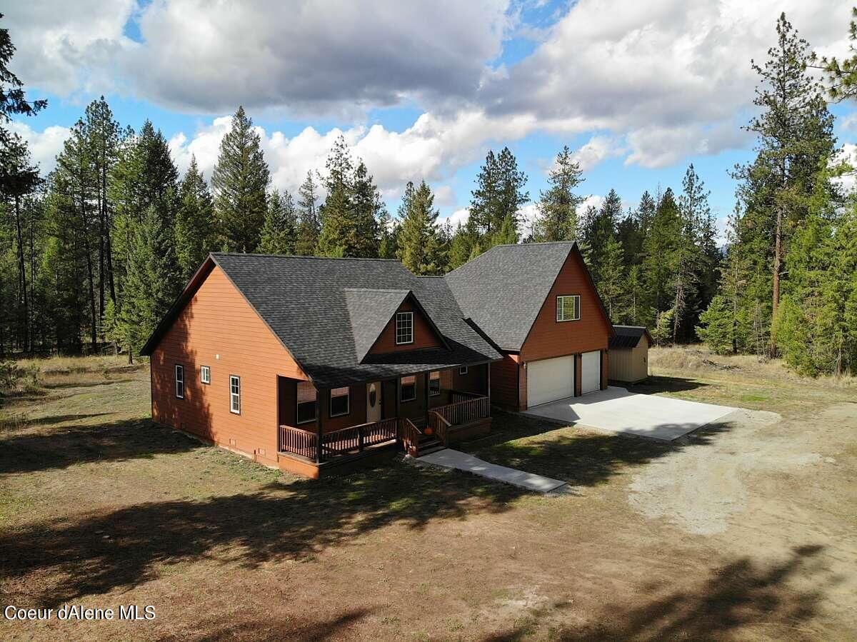 Photo of 2502 Bandy Rd, Priest River, ID 83856 (MLS # 21-10648)