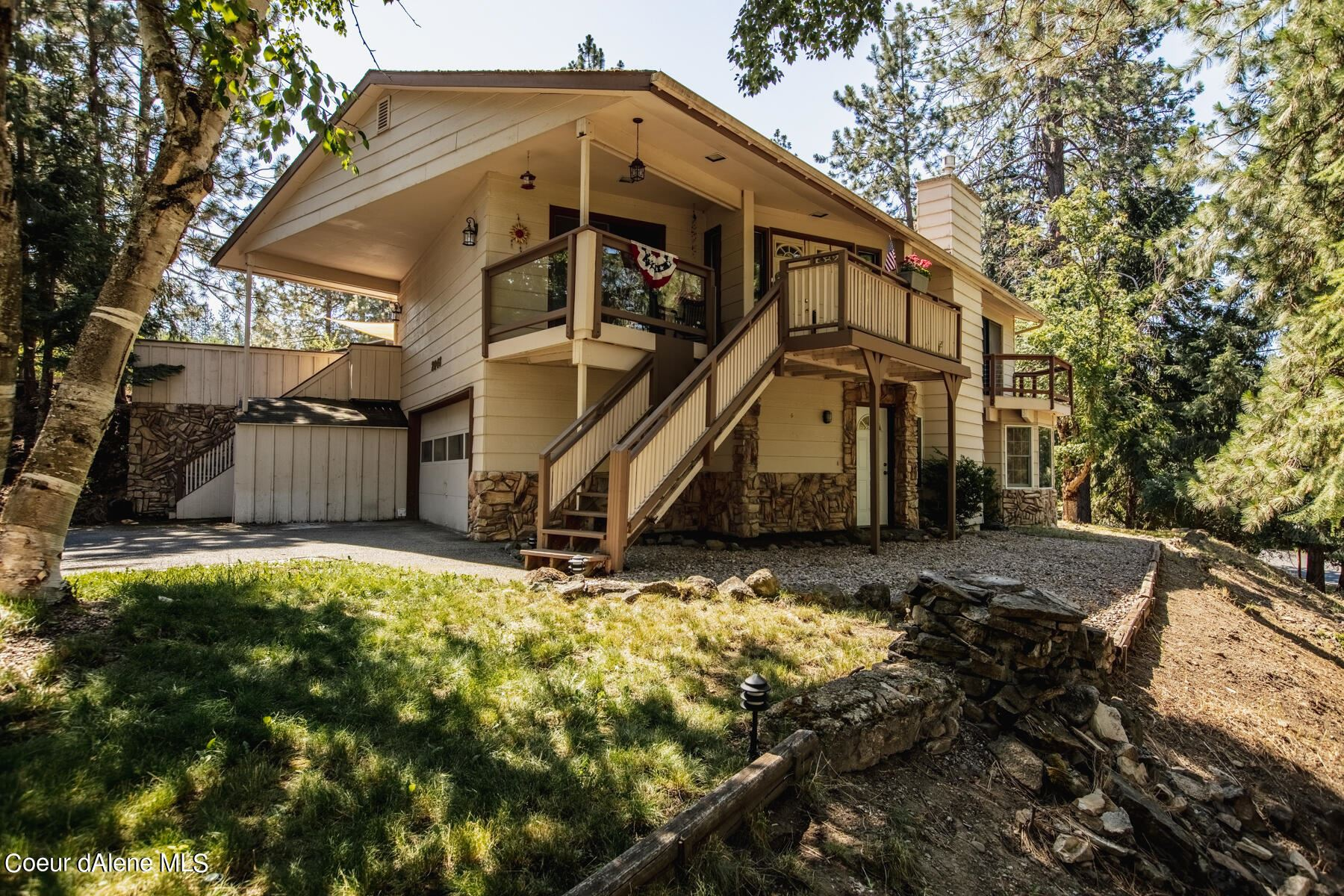 Photo of 2048 E Hayden View Dr, Coeur dAlene, ID 83815 (MLS # 21-6876)