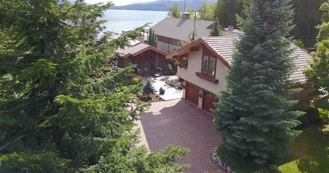 Photo of 609 Lakeview Blvd, Sandpoint, ID 83864 (MLS # 20-8894)