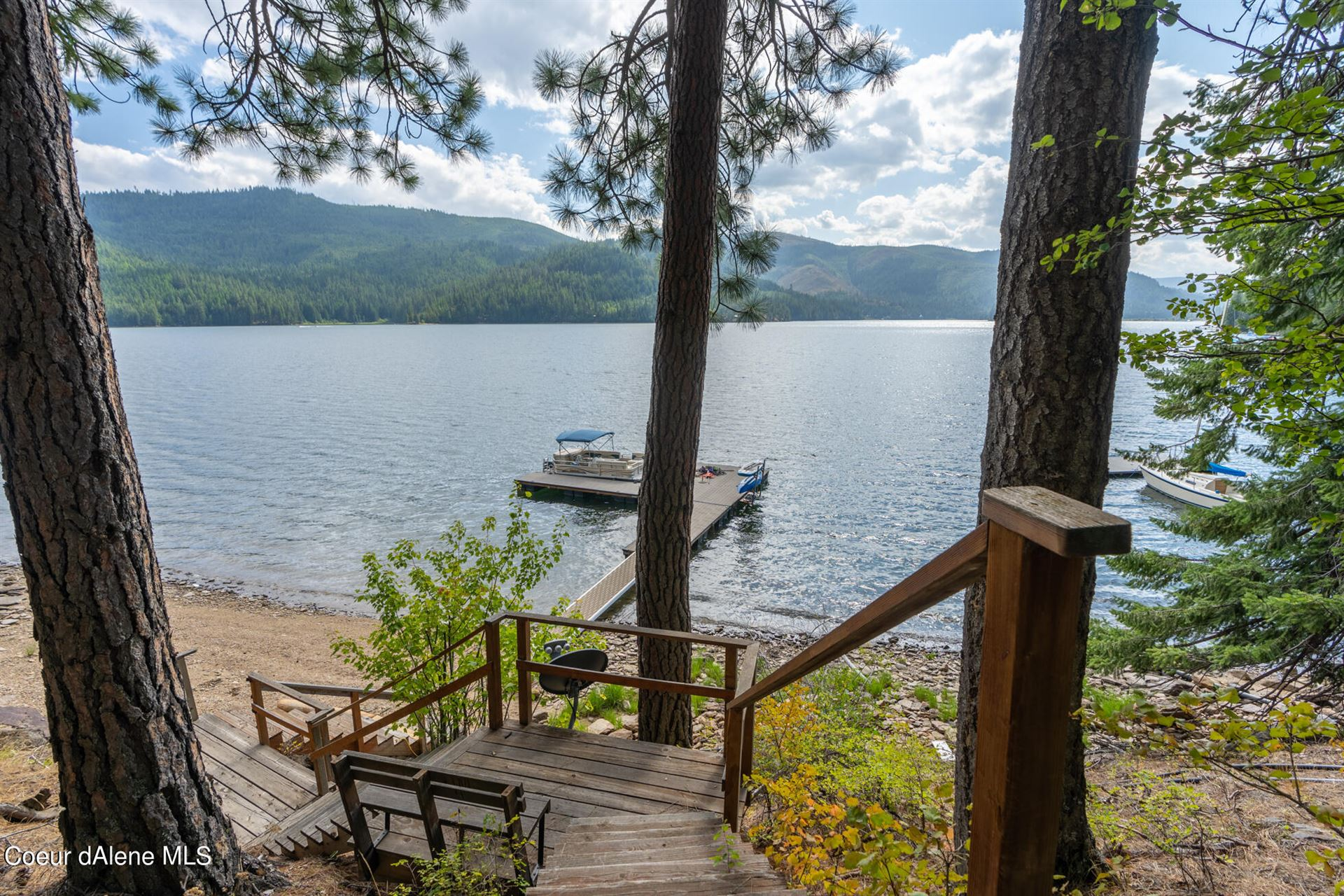 Photo of 9114 W CLIFFWOOD LN, Spirit Lake, ID 83869 (MLS # 21-8912)
