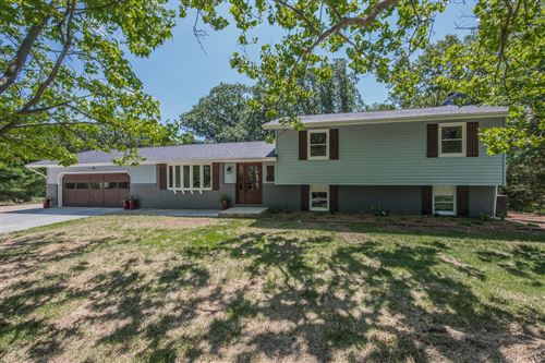 Photo of 620 BRIERWOOD DR, MOBERLY, MO 65270 (MLS # 401574)