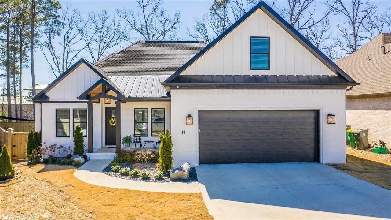 Photo for 11 Sycamore Court, Little Rock, AR 72223 (MLS # 21006001)