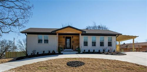 Photo of 6 Round Hill Road, North Little Rock, AR 72116 (MLS # 21006048)