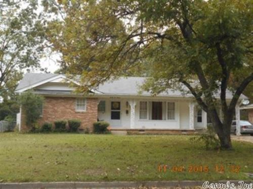 Photo of 2211 W 35 Street, Pine Bluff, AR 71603 (MLS # 21011276)