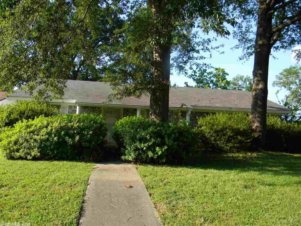 Photo for 4201 Union Avenue, Pine Bluff, AR 71603 (MLS # 19026291)