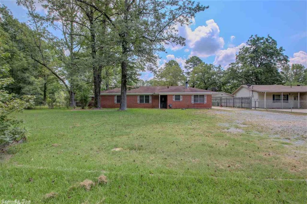 Photo for 7111 Highway 79 South, Pine Bluff, AR 71603 (MLS # 19025557)