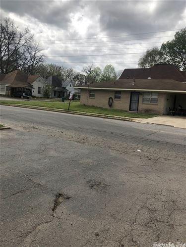 Photo of 608 & 610 S Wisconsin Street, Pine Bluff, AR 71601 (MLS # 21009847)