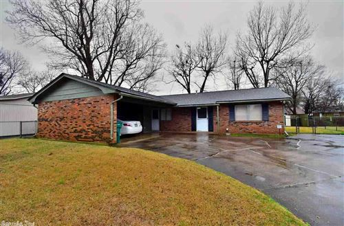 Photo of 2802 Colonial, Pine Bluff, AR 71603 (MLS # 20005880)