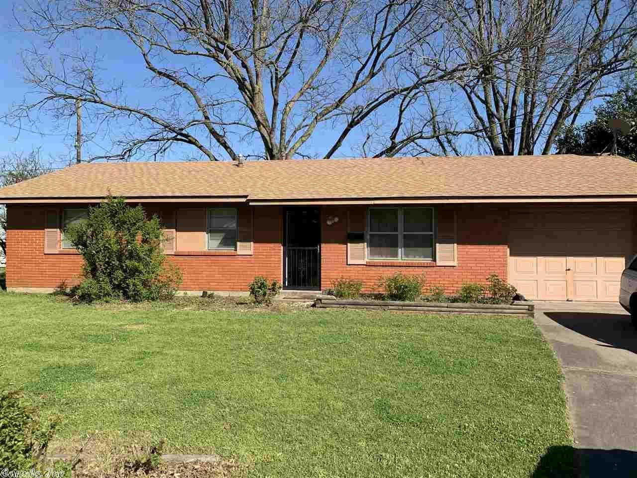 Photo for 2410 Martha Circle, Pine Bluff, AR 71602-0000 (MLS # 21008923)