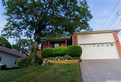 Photo of 6400 Countryside Drive, North Little Rock, AR 72116 (MLS # 21014967)