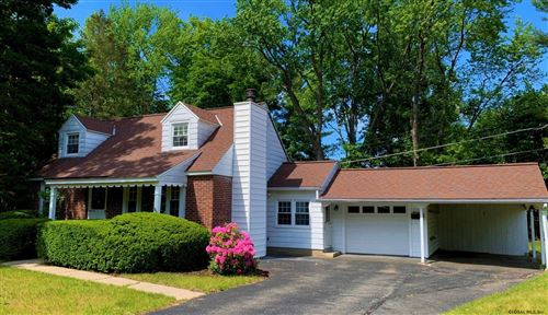 Photo of 14 ORCHARD DR, Glenville TOV, NY 12302 (MLS # 202121005)