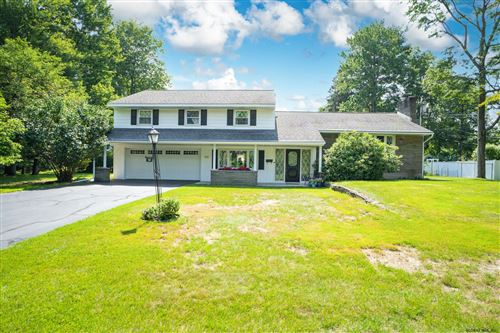 Photo of 921 LONDONDERRY CT, Schenectady, NY 12309 (MLS # 202125021)